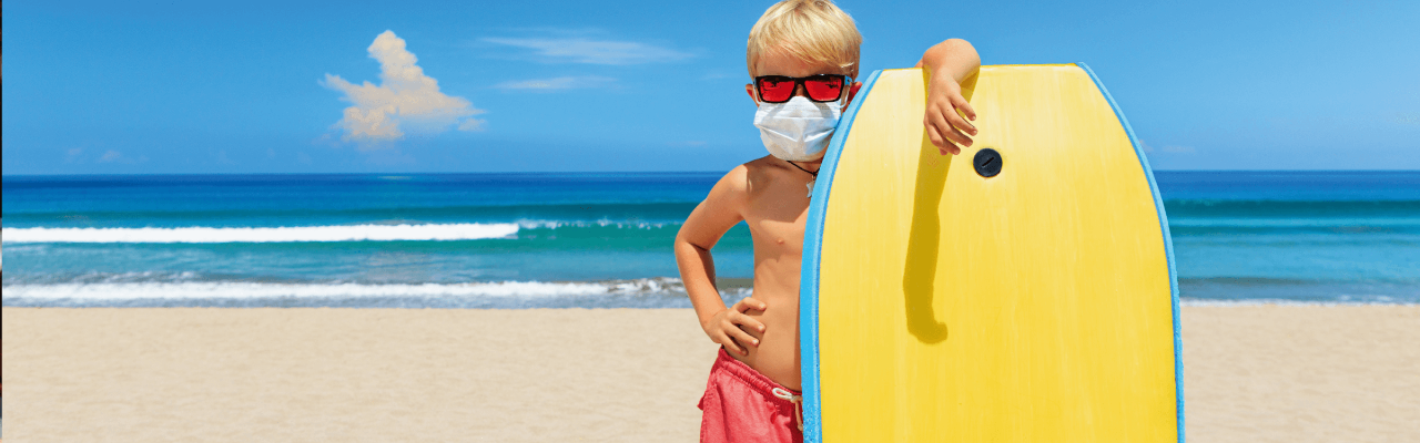 Frau macht Online-Steuererklärung
